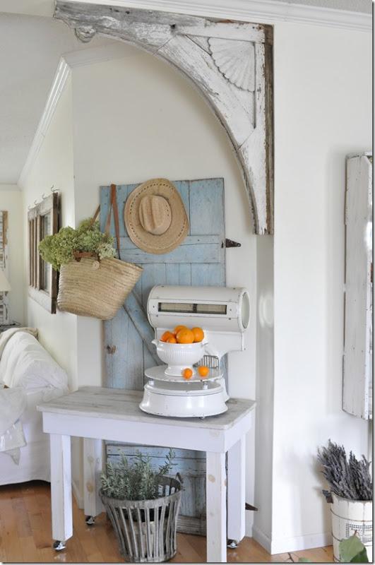 Vintage corbels becky 39 s farmhouse for Decorative corbels interior design