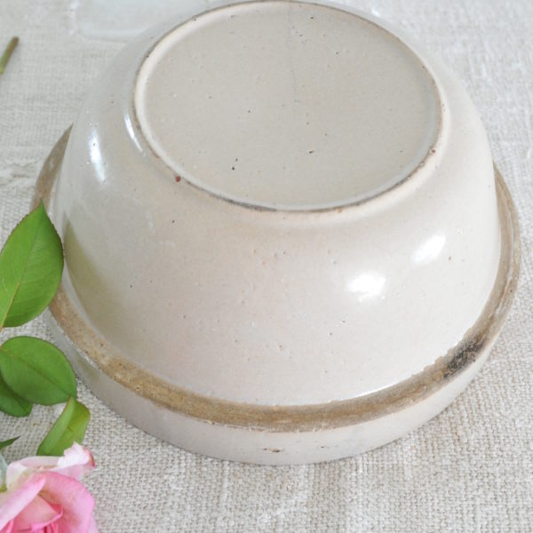 Becky's Farmhouse Sm Stoneware Bowl 3