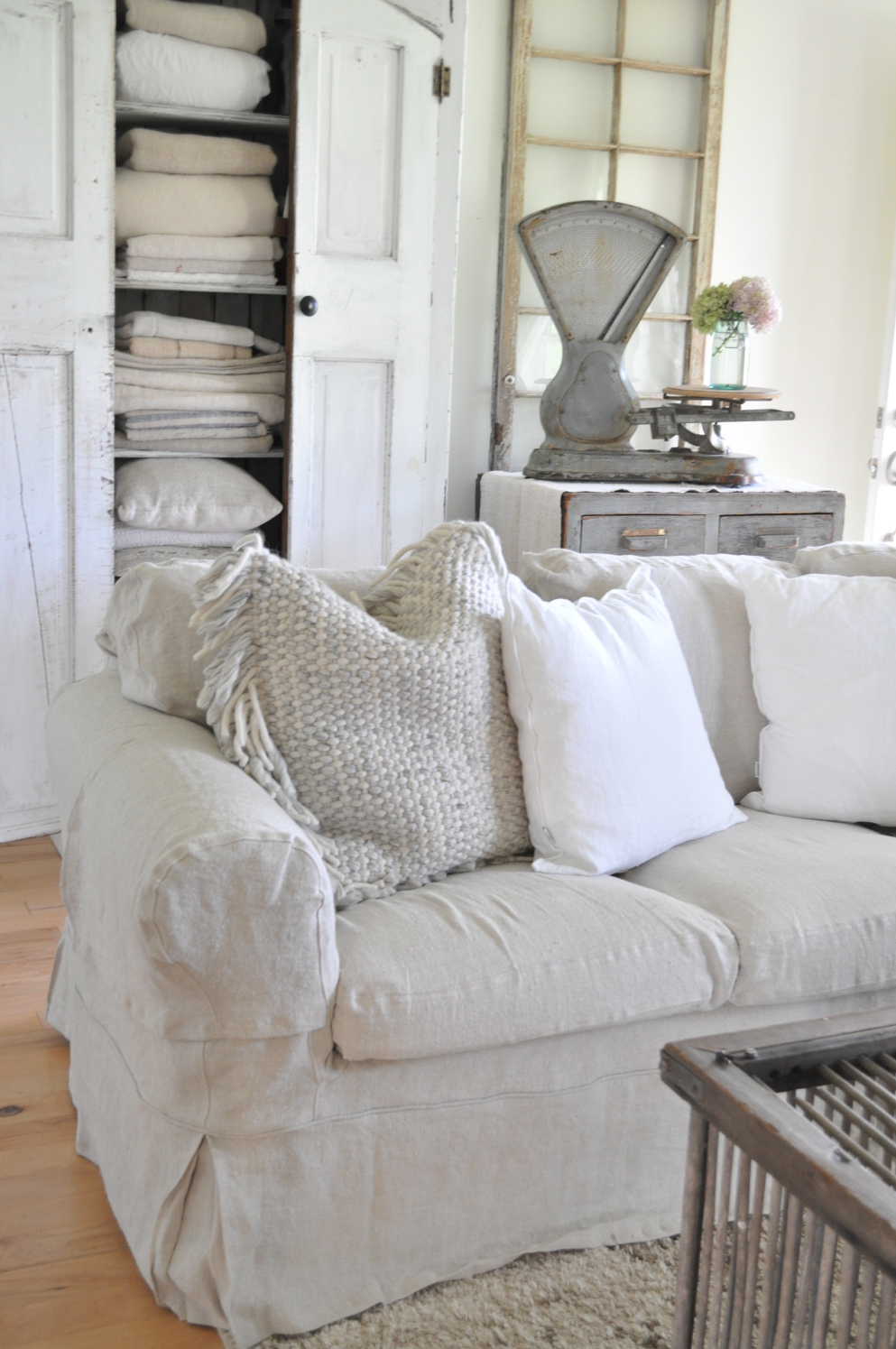 BEMZ DESIGNS Is A Swedish Based Company That Grew From An Idea Sparked By  The Owner, Lesley Pennington. They Make Custom Slipcovers, For Sofas Or  Chairs, ...