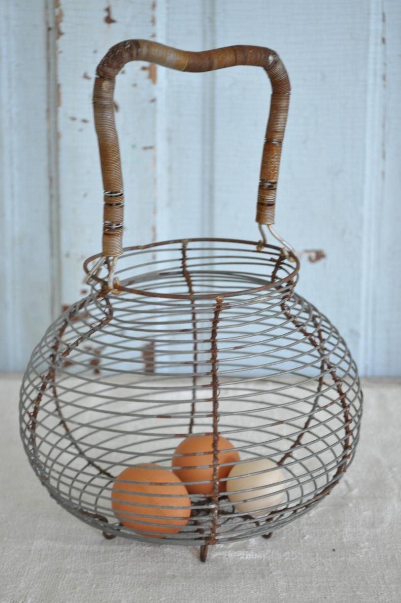 Wire Egg Basket - Becky\'s Farmhouse